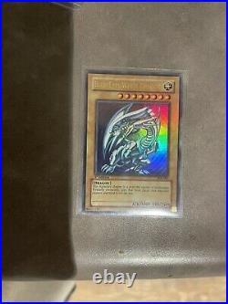 Blue-Eyes White Dragon SDK-001 1st EDITION Ultra Rare Yu-Gi-Oh