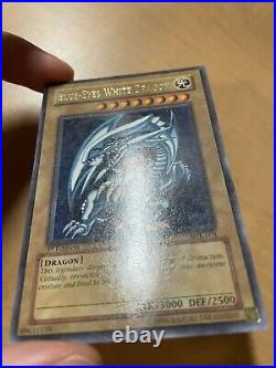 Blue-Eyes White Dragon SDK-001 1st edition Ultra Rare LP Yugioh