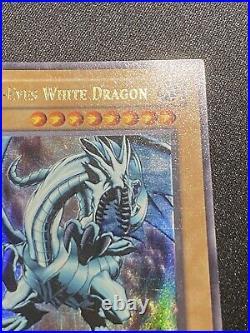 NA Glossy Blue Eyes White Dragon 1st Edition LOB-001 Yugioh Vintage Played