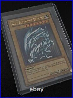 NM/M Yugioh Blue Eyes White Dragon 1st Ed Asian English SDK-001