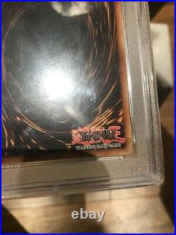 Vintage 2002 Yugioh! Blue Eyes White Dragon SDK-001 1st Ed Original Art NA PSA 9