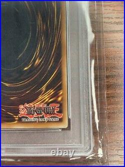 Yu-Gi-Oh! 2002 Blue Eyes White Dragon Spanish SDK-001 1st Edition PSA 10 POP 2