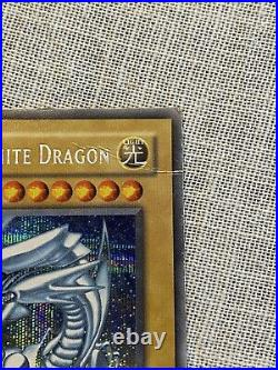 Yu-Gi-Oh Blue Eyes White Dragon DDS-001 Secret Rare (Prismatic) Damaged