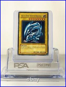 YuGiOh Blue-Eyes White Dragon SDK-001 Ultra Rare Unlimited Edition