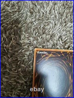 Yugioh Card Blue-Eyes White Dragon Holographic Ghost Rare TRC1-KR000 Korean NM
