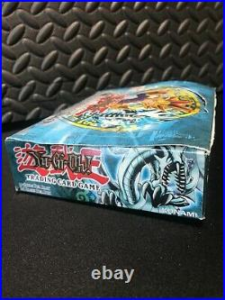 Yugioh Legend Of Blue Eyes White Dragon Booster Box + 4 Booster Packs